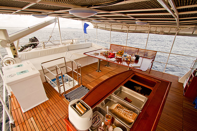Giamani Liveaboard Upper Deck Dining Area