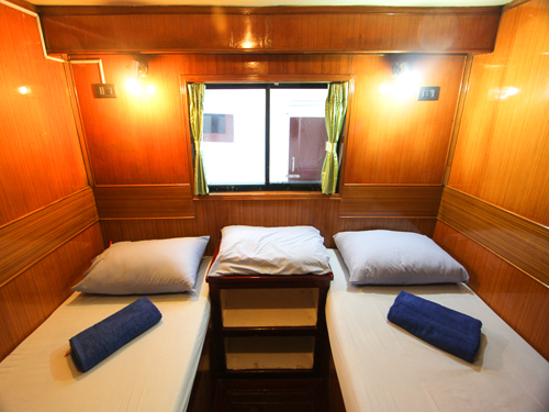 Manta Queen 1 Liveaboard twin cabin