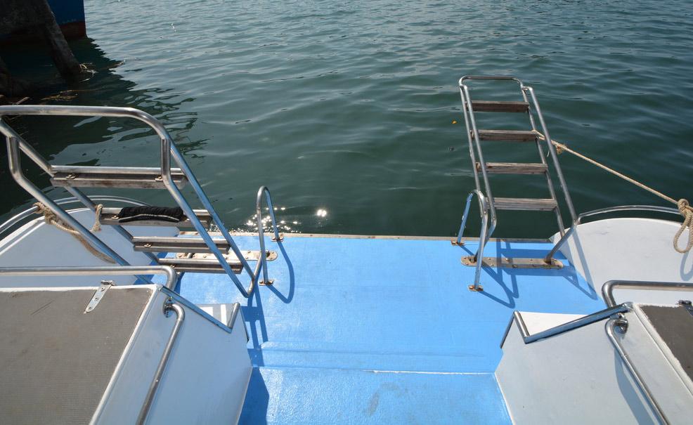 Manta queen 6 Liveaboard dive deck
