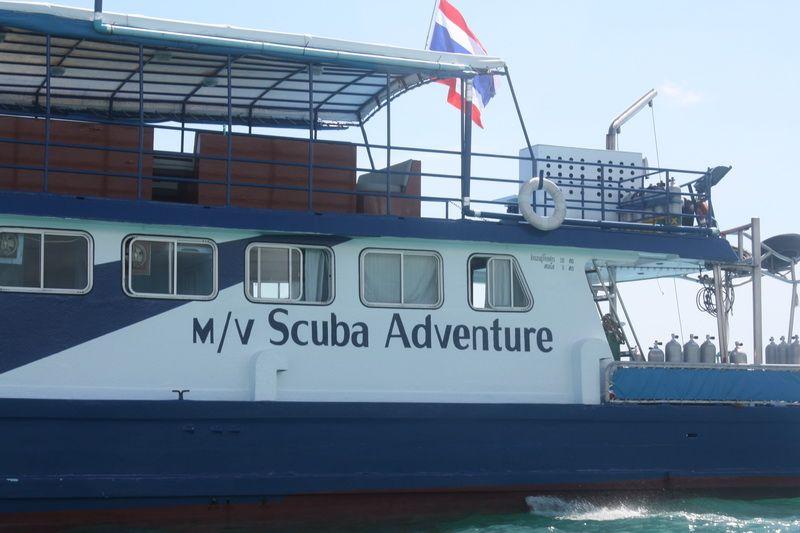scuba adventure liveaboard