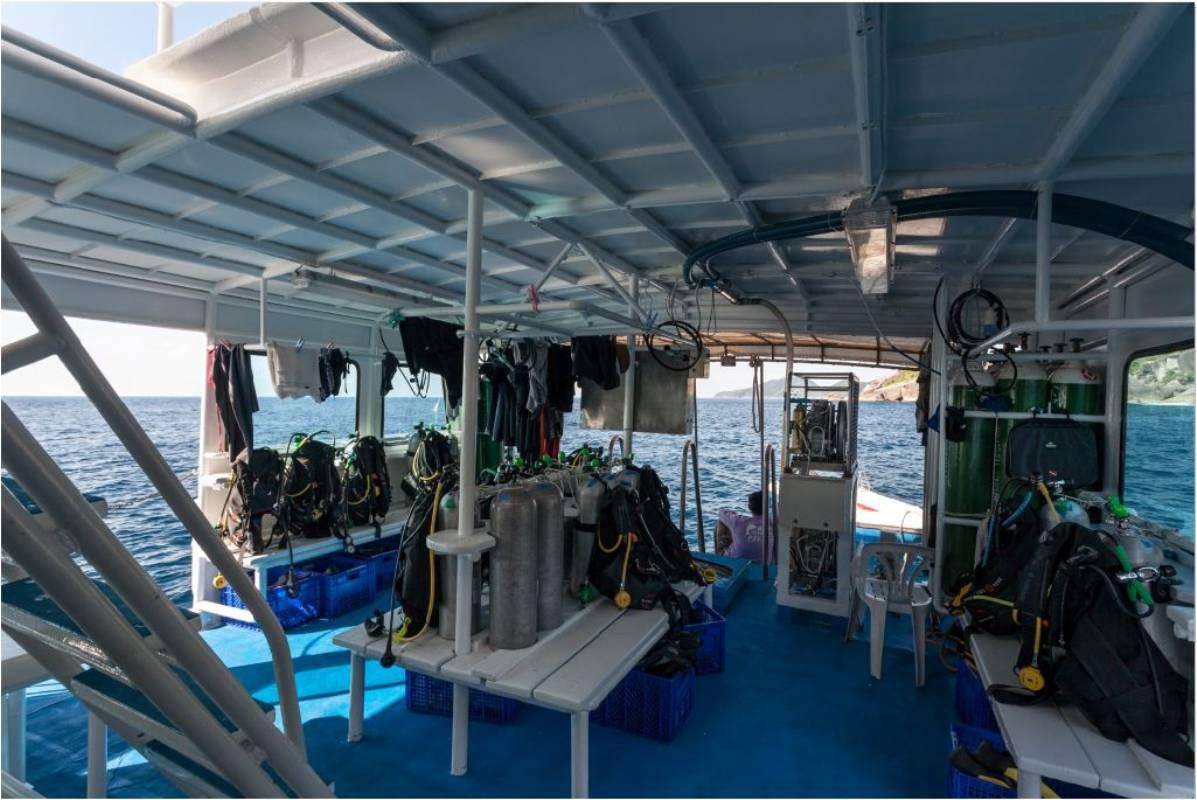 MV Andaman Seafarer dive deck