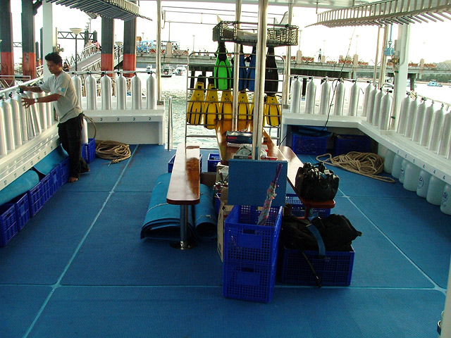 Somboon 4 liveaboard dive deck