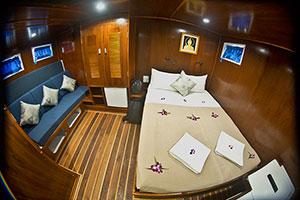 Giamani Liveaoboard Master Cabin