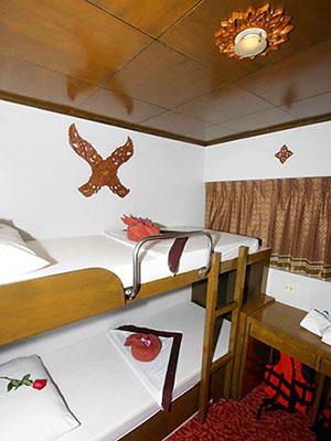 Pawara Liveaboard Deluxe twin cabin