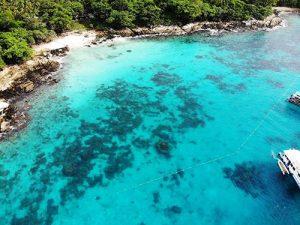 racha yai snorkeling area